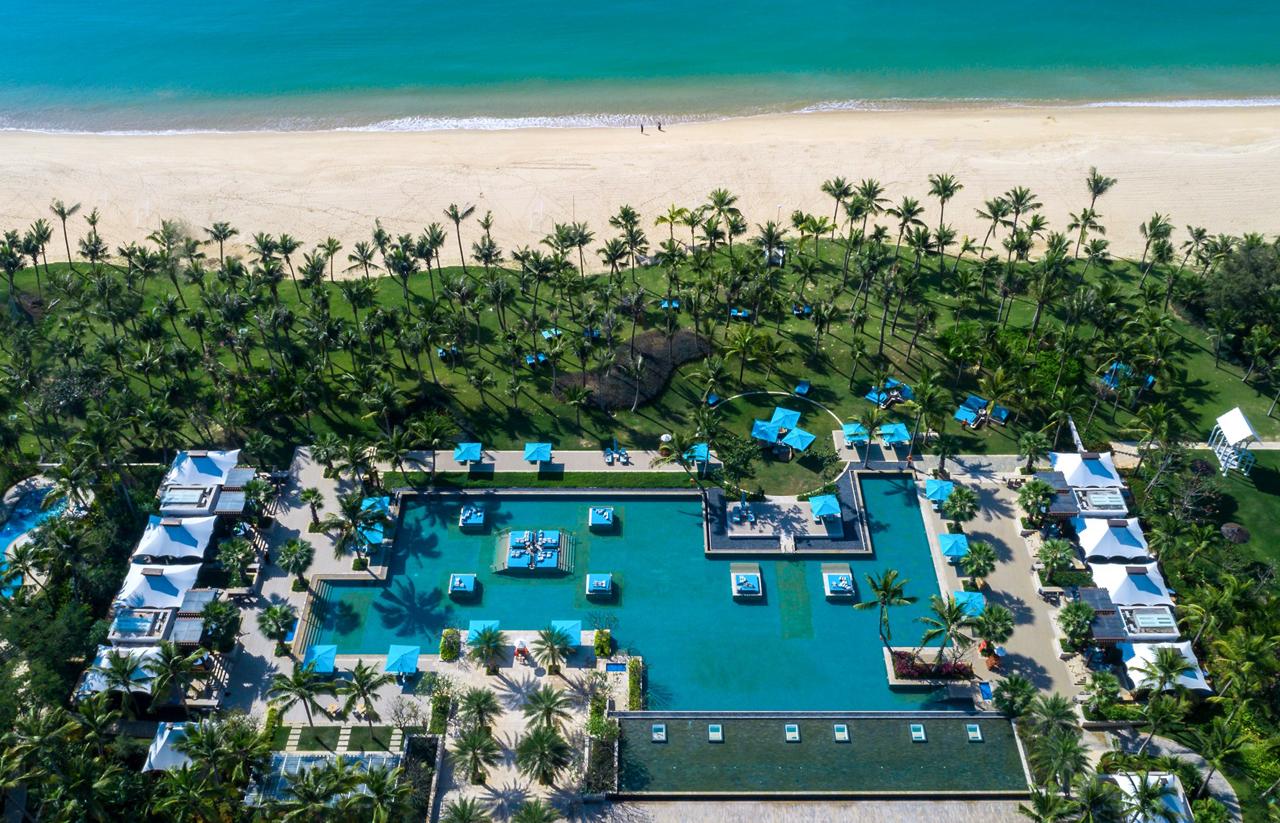 Rivolta Carmignani progetti Capella Sanya biancheria hotel piscina