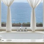 Rivolta Carmignani progetti i profumi di Ischia all'hotel Mezzatorre biancheria bagno