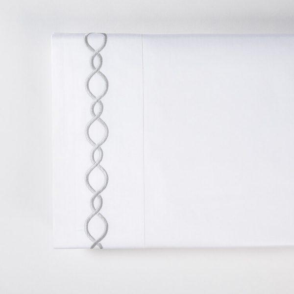 chain lenzuolo sopra grigio perla