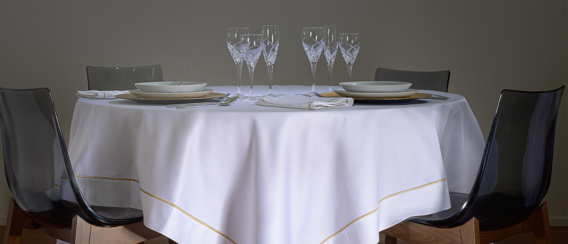 sateen gold tavola