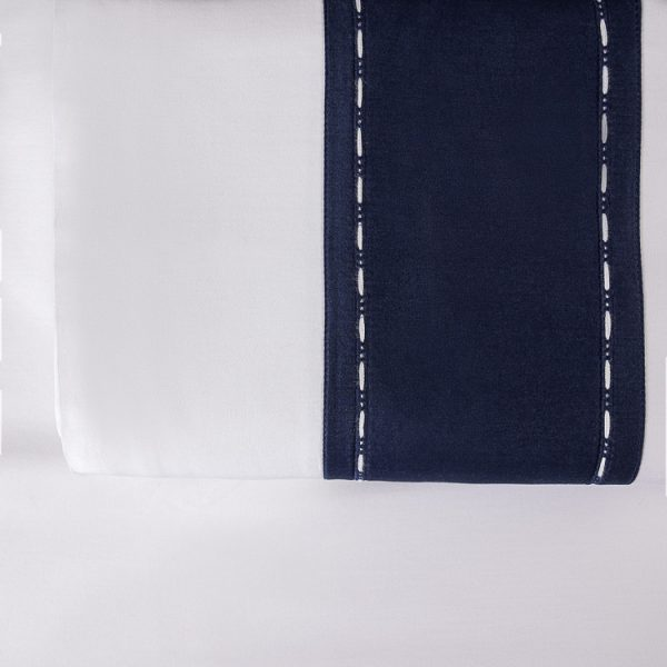 ecurie lenzuolo sopra blu navy