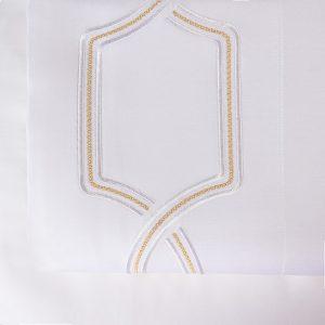 royal lenzuolo sopra bianco